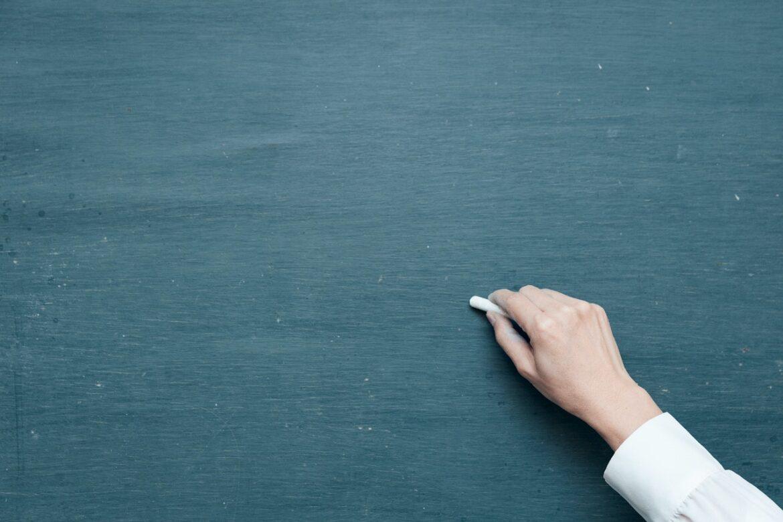 Skal du have fat i en tavle? 4 tips til at finde den rette